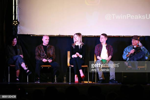 Actors Sherilyn Fenn James Marshall Amy Shiels Jake Wardle and Michael Horse answer questions on stage during the Twin Peaks UK Festival 2017 at...