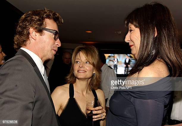 WEST HOLLYWOOD CA MARCH 07 *EXCLUSIVE* Actors Simon Baker Jodie Foster and Anjelica Huston attend the 2010 Vanity Fair Oscar Party hosted by Graydon...