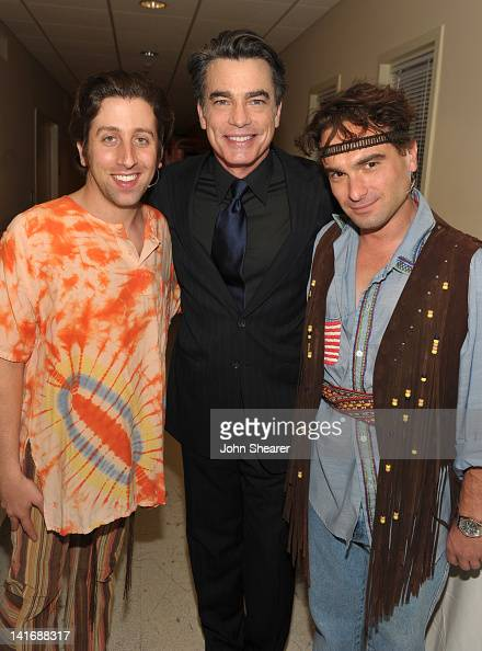 Actors Simon Helberg Peter Gallagher and Johnny Galecki attend the 20th Anniversary Alzheimer's Association 'A Night at Sardi's' at The Beverly...