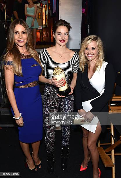 Actors Sofía Vergara Shailene Woodley and Reese Witherspoon pose backstage at The 2015 MTV Movie Awards at Nokia Theatre LA Live on April 12 2015 in...