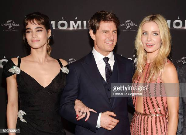 Actors Sofia Boutella Tom Cruise and Annabelle Wallis attend 'The Mummy La Momie' Paris Premiere at Le Grand Rex on May 30 2017 in Paris France
