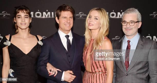 Actors Sofia Boutella Tom Cruise Annabelle Wallis and director Alex Kurtzman attend 'The Mummy La Momie' Paris Premiere at Le Grand Rex on May 30...