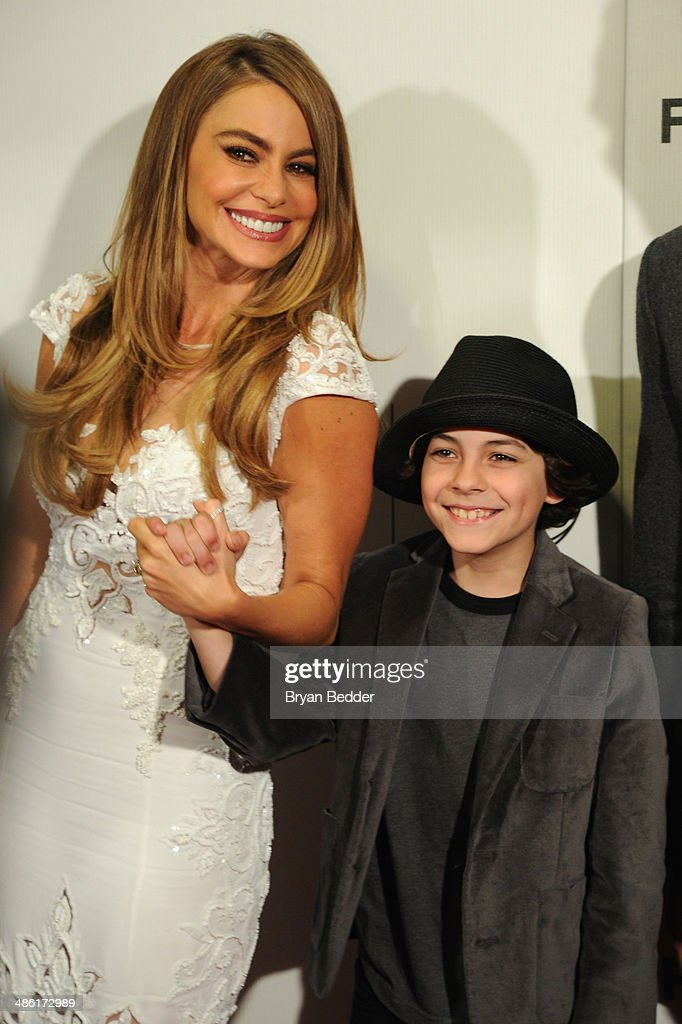 """Actors Sofia Vergara and Emjay Anthony attend the """"Chef"""" world premiere exclusively for American Express card members on April 22, 2014 in New York City."""