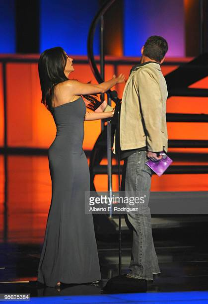 Actors Sofia Vergara and James Denton onstage at the People's Choice Awards 2010 held at Nokia Theatre LA Live on January 6 2010 in Los Angeles...