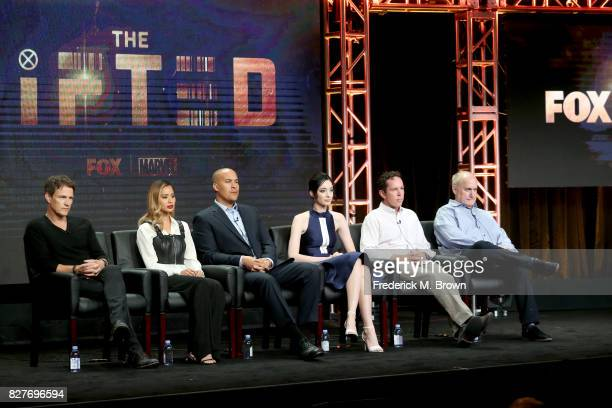 Actors Stephen Moyer Jamie Chung Coby Bell Emma Dumont and Executive Producers Matt Nix and Jeph Loeb of 'The Gifted' speak onstage during the FOX...