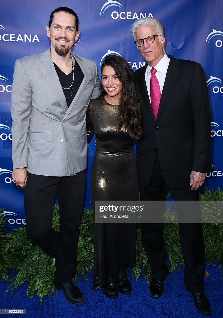 Actors Steve Howey, Sarah Shahi and Ted Danson attend the 2012 Oceana's SeaChange summer party on July 29, 2012 in Laguna Beach, California.
