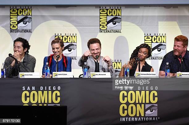 Actors Steven Yeun Lauren Cohan Ross Marquand Sonequa MartinGreen and Michael Cudlitz attend AMC's 'The Walking Dead' panel during ComicCon...