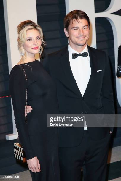 Actors Tamsin Egerton and Josh Hartnett attend the 2017 Vanity Fair Oscar Party hosted by Graydon Carter at the Wallis Annenberg Center for the...