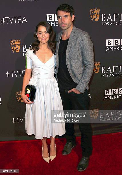 Actors Tatiana Maslany and Tom Cullen attend the 2015 BAFTA Los Angeles TV Tea at SLS Hotel on September 19 2015 in Beverly Hills California