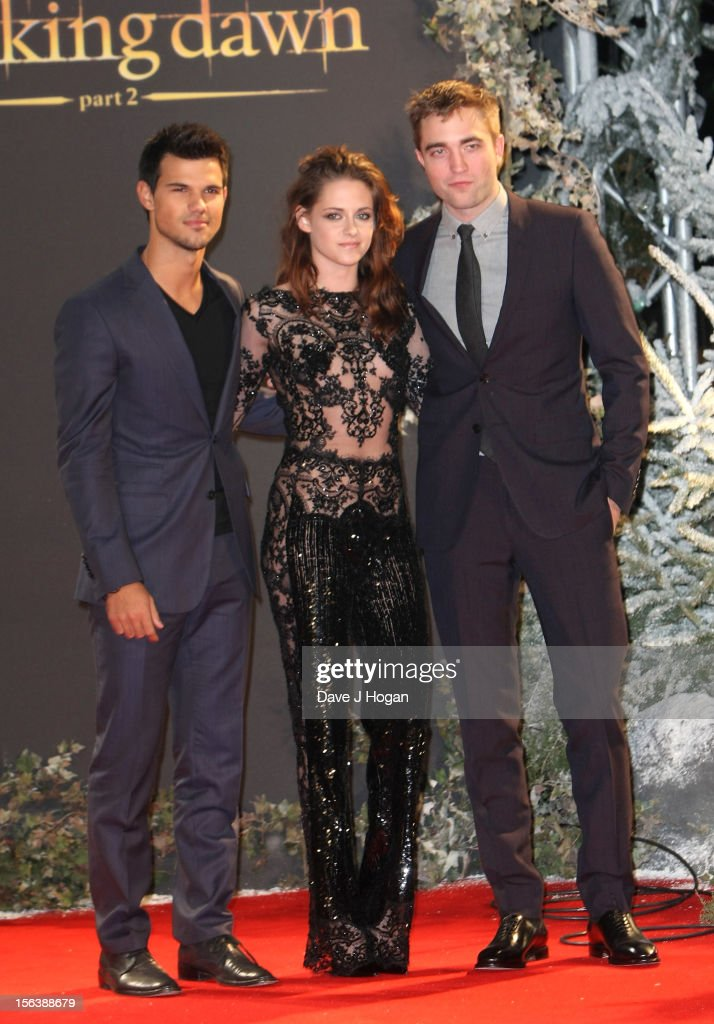 Actors (L-R) <a gi-track='captionPersonalityLinkClicked' href=/galleries/search?phrase=Taylor+Lautner&family=editorial&specificpeople=228959 ng-click='$event.stopPropagation()'>Taylor Lautner</a>, <a gi-track='captionPersonalityLinkClicked' href=/galleries/search?phrase=Kristen+Stewart&family=editorial&specificpeople=2166264 ng-click='$event.stopPropagation()'>Kristen Stewart</a> and <a gi-track='captionPersonalityLinkClicked' href=/galleries/search?phrase=Robert+Pattinson&family=editorial&specificpeople=734445 ng-click='$event.stopPropagation()'>Robert Pattinson</a> attend the UK Premiere of 'The Twilight Saga: Breaking Dawn - Part 2' at Odeon Leicester Square on November 14, 2012 in London, England.