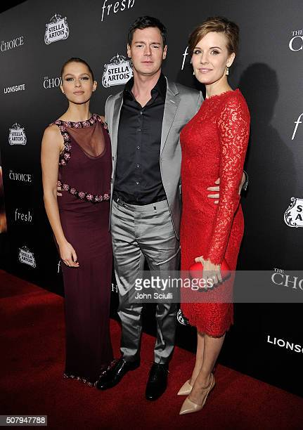 Actors Teresa Palmer Benjamin Walker and Maggie Grace attend the premiere of Lionsgate's 'The Choice' at ArcLight Cinemas on February 1 2016 in...
