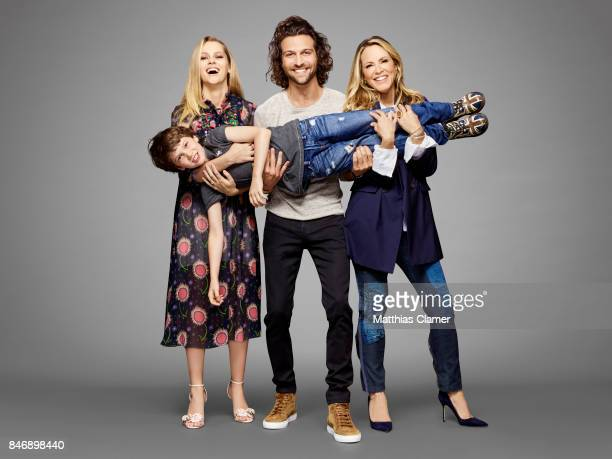 Actors Teresa Palmer Gabriel Bateman Alexander Dipersia and Maria Bello from 'Lights Out' are photographed for Entertainment Weekly Magazine on July...