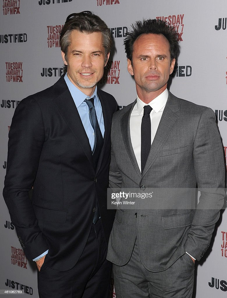 Actors <a gi-track='captionPersonalityLinkClicked' href=/galleries/search?phrase=Timothy+Olyphant&family=editorial&specificpeople=589275 ng-click='$event.stopPropagation()'>Timothy Olyphant</a> (L) and <a gi-track='captionPersonalityLinkClicked' href=/galleries/search?phrase=Walton+Goggins&family=editorial&specificpeople=656067 ng-click='$event.stopPropagation()'>Walton Goggins</a> attend the season 5 premiere screening of FX's 'Justified' at the DGA Theater on January 6, 2014 in Los Angeles, California.