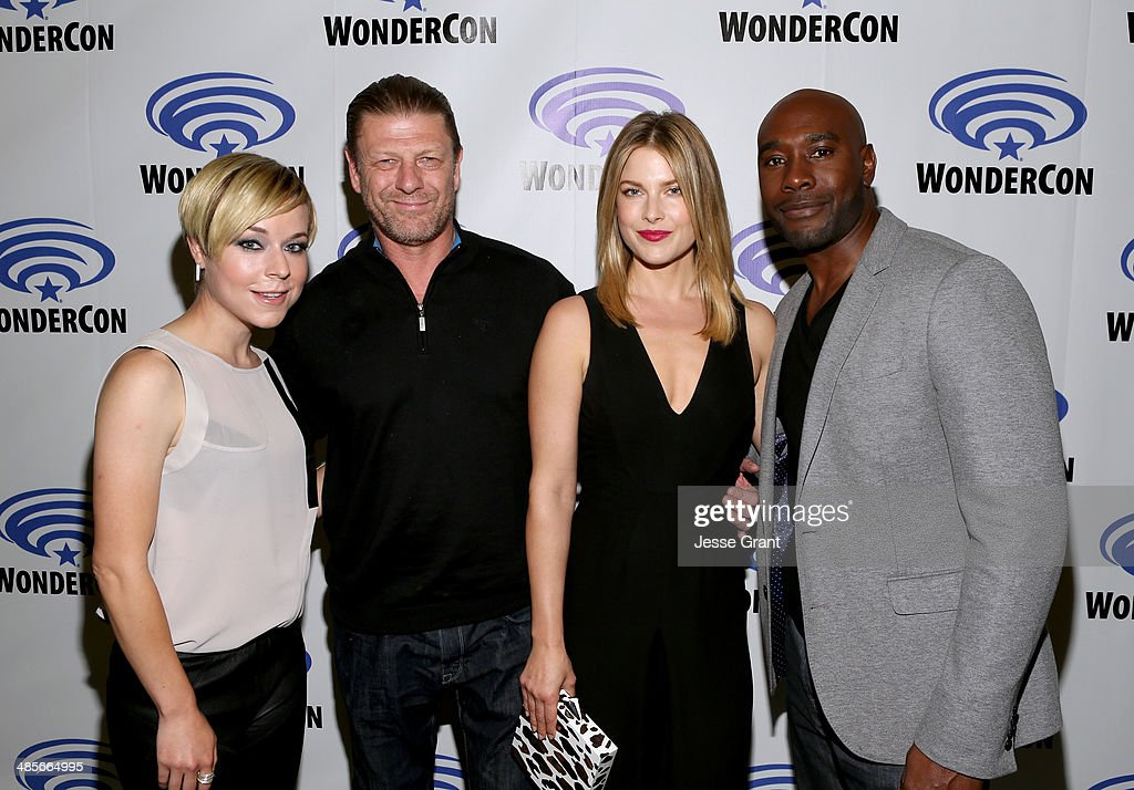 Actors Tina Majorino Sean Bean Ali Larter and Morris Chestnut attend the 'Legends' 2014 TNT Wondercon Panel at the Anaheim Convention Center on April...