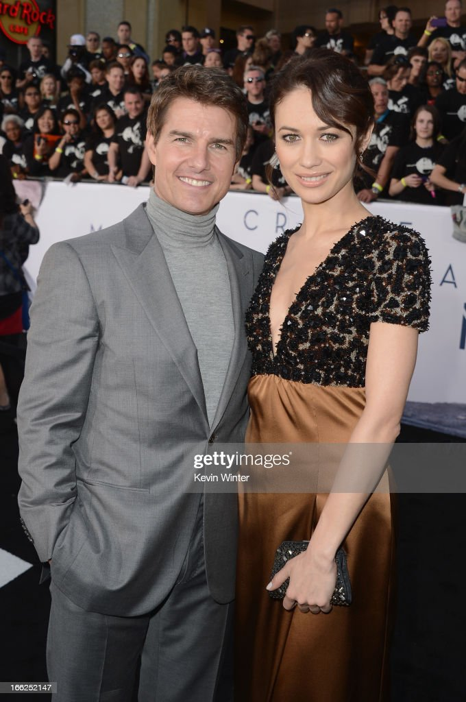 Actors <a gi-track='captionPersonalityLinkClicked' href=/galleries/search?phrase=Tom+Cruise&family=editorial&specificpeople=156405 ng-click='$event.stopPropagation()'>Tom Cruise</a> and <a gi-track='captionPersonalityLinkClicked' href=/galleries/search?phrase=Olga+Kurylenko&family=editorial&specificpeople=630281 ng-click='$event.stopPropagation()'>Olga Kurylenko</a> arrive at the premiere of Universal Pictures' 'Oblivion' at Dolby Theatre on April 10, 2013 in Hollywood, California.