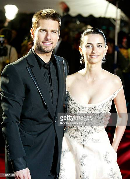 Actors Tom Cruise and Penelope Cruz attend the Japanese premiere of the film 'Last Samurai' November 20 2003 in Tokyo Japan It was announced today...