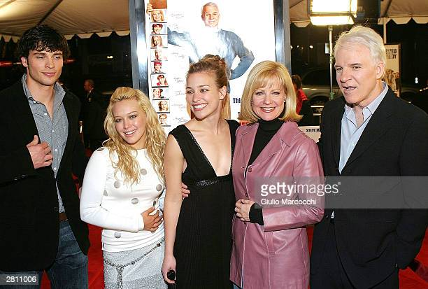 Actors Tom Welling Hilary Duff Piper Perabo Bonnie Hunt and Steve Martin attend the Cheaper By The Dozen Premiere December 14 2003 in Hollywood...