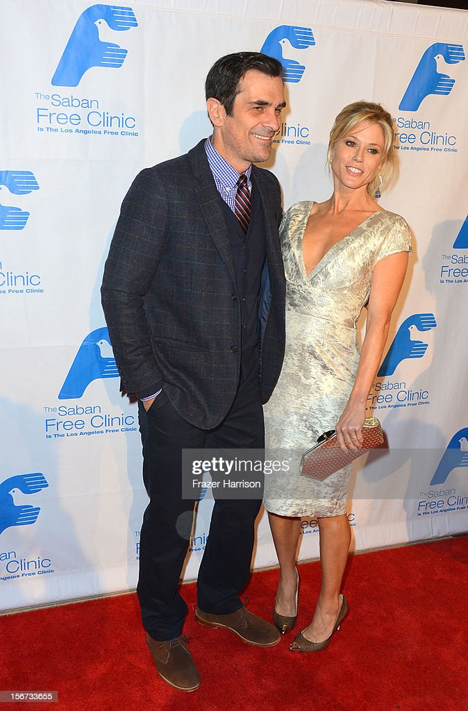 Actors <a gi-track='captionPersonalityLinkClicked' href=/galleries/search?phrase=Ty+Burrell&family=editorial&specificpeople=700077 ng-click='$event.stopPropagation()'>Ty Burrell</a> and Julia Bowen arrive at The Saban Free Clinic's Gala Honoring ABC Entertainment Group President Paul Lee and Bob Broder at The Beverly Hilton Hotel on November 19, 2012 in Beverly Hills, California.