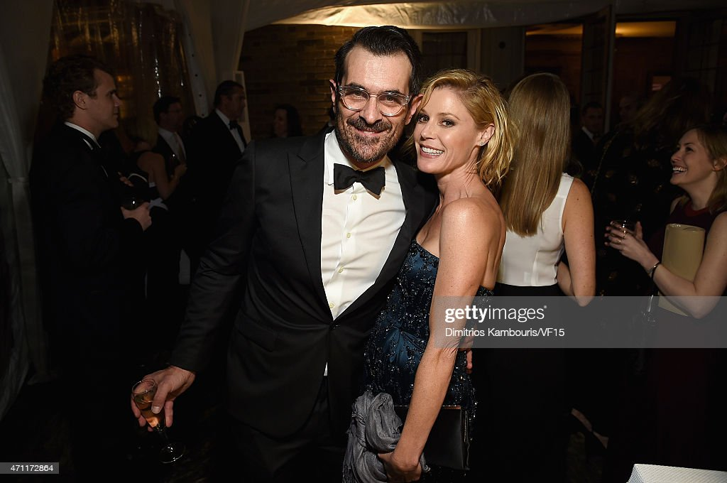 Actors Ty Burrell and Julie Bowen attend the Bloomberg Vanity Fair cocktail reception following the 2015 WHCA Dinner at the residence of the French...