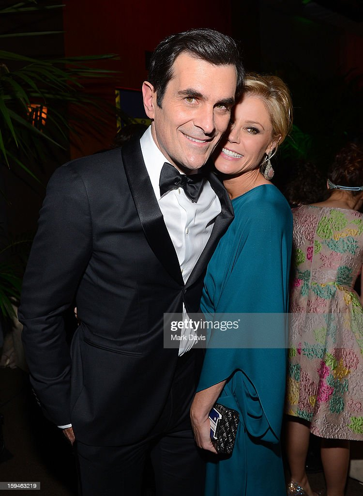 Actors Ty Burrell (L) and Julie Bowen attend the FOX After Party for the 70th Annual Golden Globe Awards held at The FOX Pavillion at The Beverly Hilton Hotel on January 13, 2013 in Beverly Hills, California.