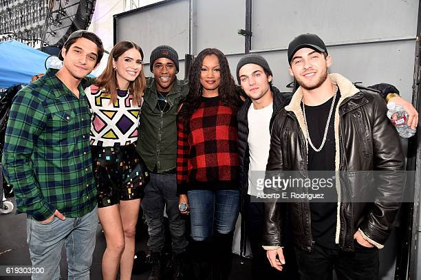 Actors Tyler Posey Shelley Hennig Khylin Rambo Garcelle Beauvais Dylan Sprayberry and Cody Christian poses backstage during Entertainment Weekly's...