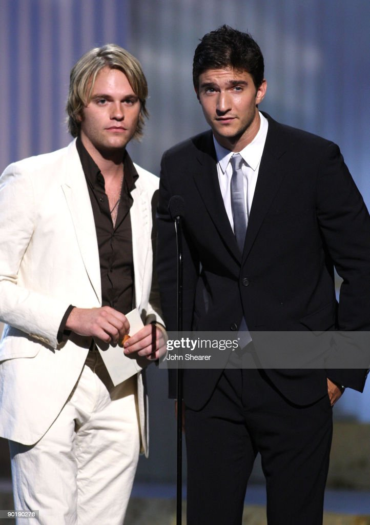 Actors Van Hansis (L) and Jake Silbermann present the Emmy for Outstanding Supporting Actress in a Drama Series during the 36th Annual Daytime Emmy Awards at The Orpheum Theatre on August 30, 2009 in Los Angeles, California.