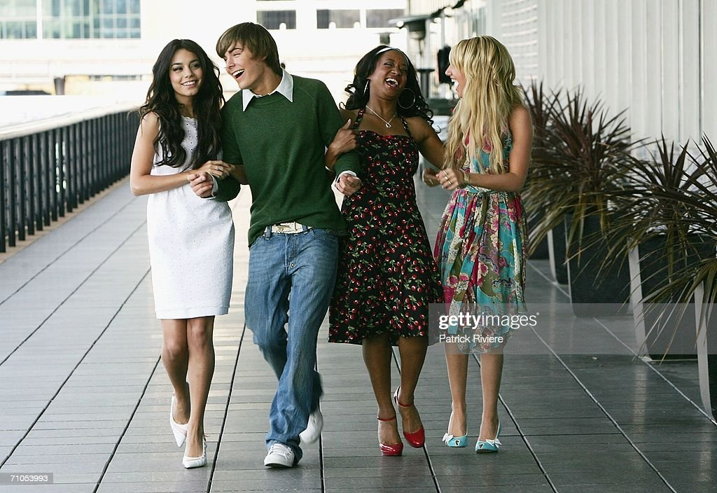 actors vanessa anne hudgens zac efron monique coleman and ashley tisdale attend a photo