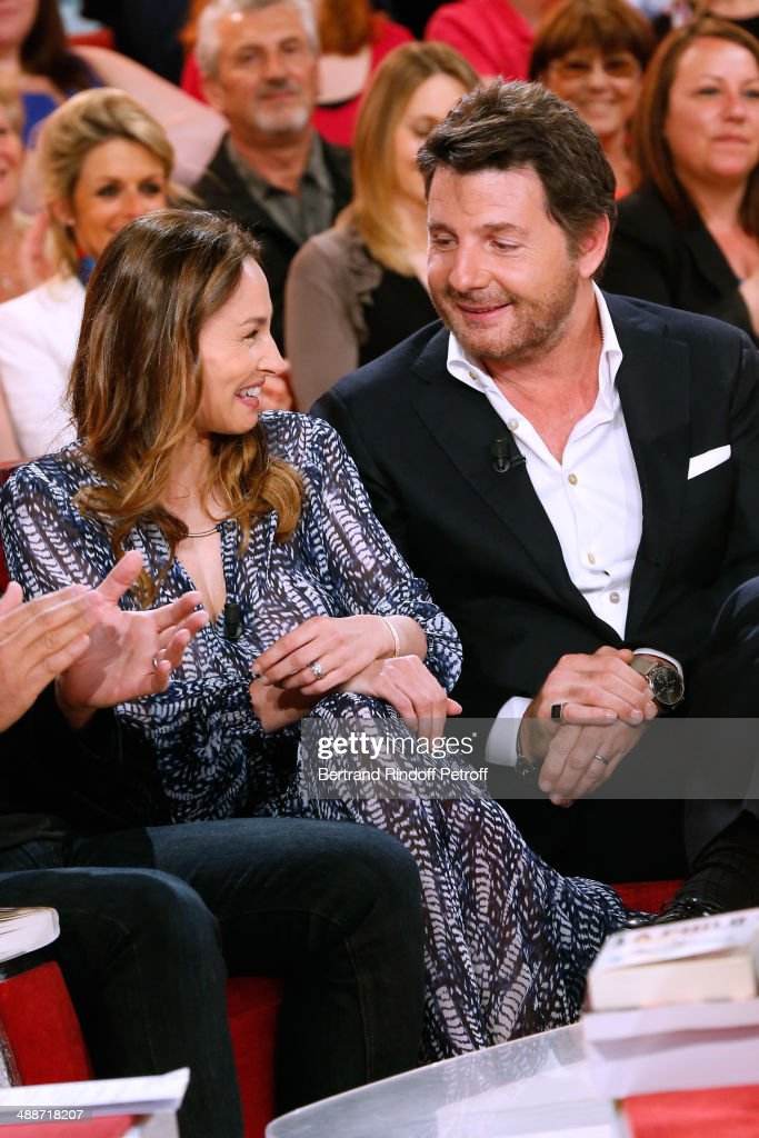 Actors Vanessa Demouy and her husband Philippe Lellouche present the theater play 'L'appel de Londres' at the 'Vivement Dimanche' French TV Show, held at Pavillon Gabriel on May 14, 2014 in Paris, France.
