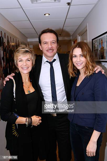 Actors Veronique Jannot Samuel le Bihan and MarieJosee Croze attend the 'Vivement Dimanche' French TV Show at Pavillon Gabriel on November 6 2013 in...