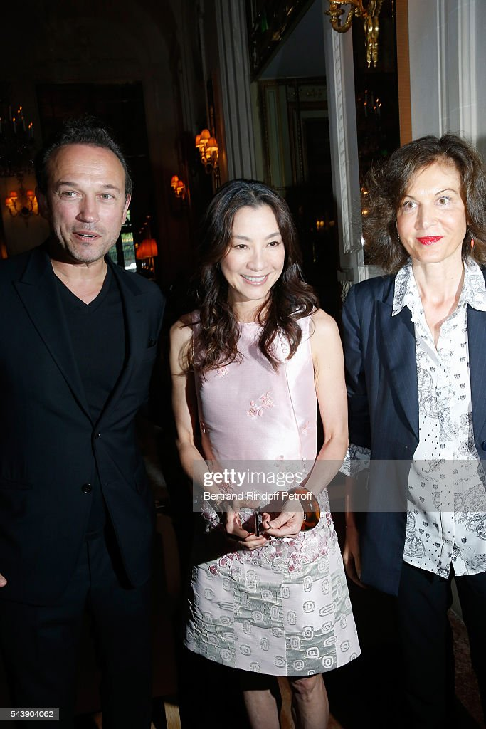 Actors <a gi-track='captionPersonalityLinkClicked' href=/galleries/search?phrase=Vincent+Perez&family=editorial&specificpeople=243109 ng-click='$event.stopPropagation()'>Vincent Perez</a>, <a gi-track='captionPersonalityLinkClicked' href=/galleries/search?phrase=Michelle+Yeoh&family=editorial&specificpeople=223894 ng-click='$event.stopPropagation()'>Michelle Yeoh</a> and Director <a gi-track='captionPersonalityLinkClicked' href=/galleries/search?phrase=Anne+Fontaine&family=editorial&specificpeople=601319 ng-click='$event.stopPropagation()'>Anne Fontaine</a> arrive at 6th Chinese Film Festival