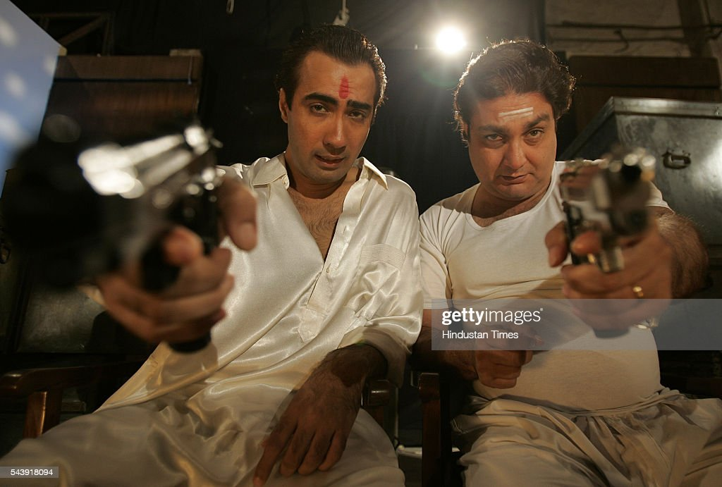 Actors VJ Vinay Pathak with Ranvir Shorey.