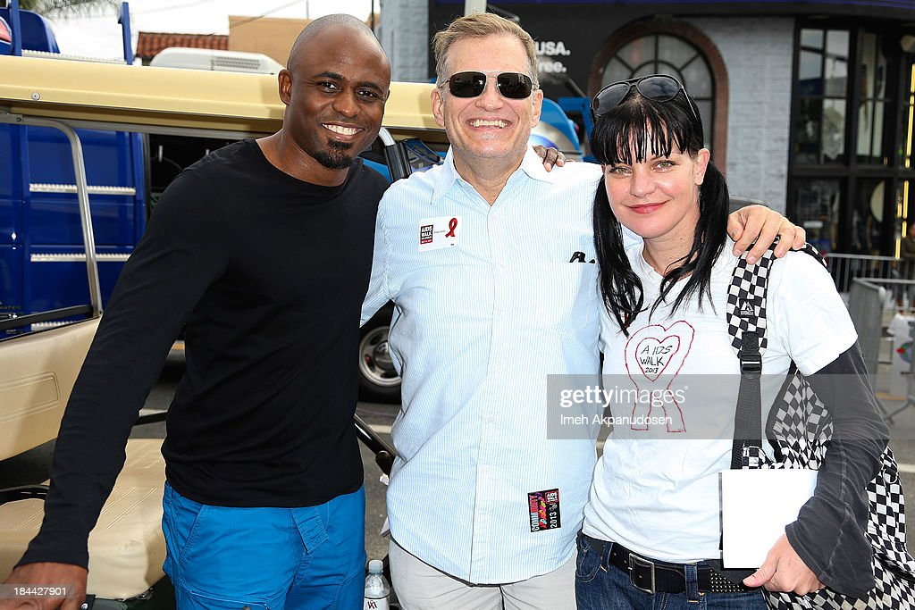 Actors <a gi-track='captionPersonalityLinkClicked' href=/galleries/search?phrase=Wayne+Brady+-+Actor&family=editorial&specificpeople=217495 ng-click='$event.stopPropagation()'>Wayne Brady</a>, <a gi-track='captionPersonalityLinkClicked' href=/galleries/search?phrase=Drew+Carey&family=editorial&specificpeople=213727 ng-click='$event.stopPropagation()'>Drew Carey</a>, and <a gi-track='captionPersonalityLinkClicked' href=/galleries/search?phrase=Pauley+Perrette&family=editorial&specificpeople=625846 ng-click='$event.stopPropagation()'>Pauley Perrette</a> attend the 29th Annual AIDS Walk LA on October 13, 2013 in West Hollywood, California.