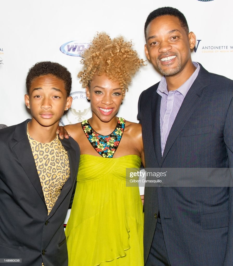 Actors <a gi-track='captionPersonalityLinkClicked' href=/galleries/search?phrase=Will+Smith+-+Actor+-+Born+1968&family=editorial&specificpeople=156403 ng-click='$event.stopPropagation()'>Will Smith</a> and <a gi-track='captionPersonalityLinkClicked' href=/galleries/search?phrase=Jaden+Smith&family=editorial&specificpeople=709174 ng-click='$event.stopPropagation()'>Jaden Smith</a> and Lil' Mama (center) attend the American Benefactor Foundation 'I WILL Be Great Leaders' Ceremony honoring Charles Alston at Drexel University on July 20, 2012 in Philadelphia, Pennsylvania.
