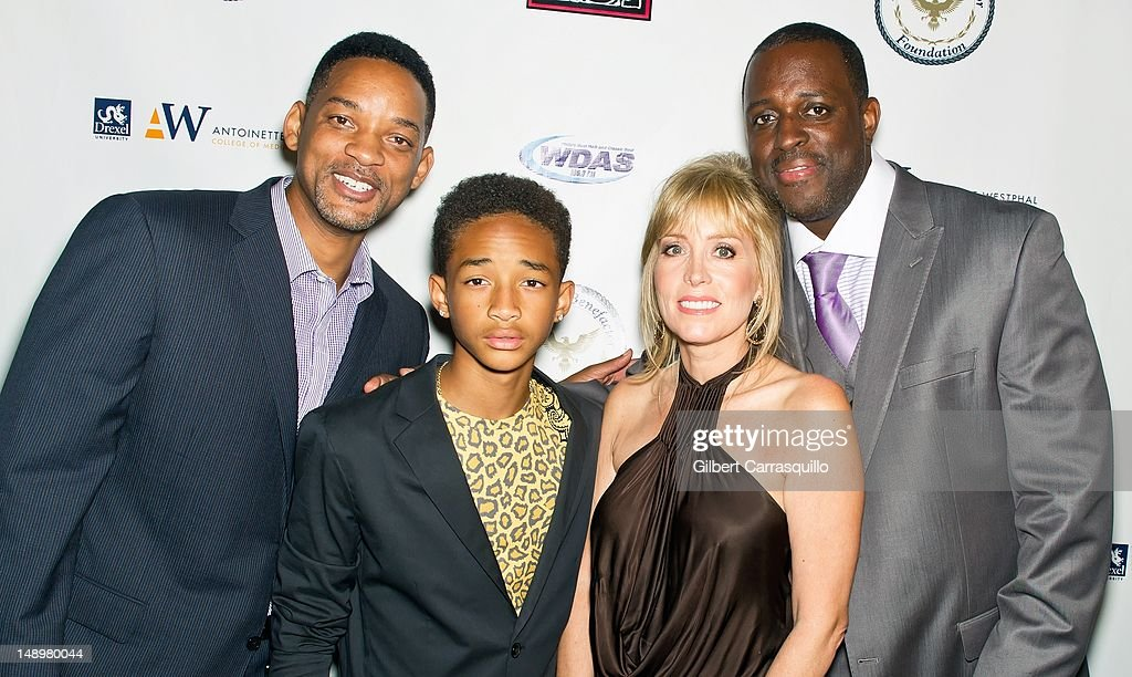 Actors <a gi-track='captionPersonalityLinkClicked' href=/galleries/search?phrase=Will+Smith+-+Actor+-+Born+1968&family=editorial&specificpeople=156403 ng-click='$event.stopPropagation()'>Will Smith</a> and <a gi-track='captionPersonalityLinkClicked' href=/galleries/search?phrase=Jaden+Smith&family=editorial&specificpeople=709174 ng-click='$event.stopPropagation()'>Jaden Smith</a>, Marla Green DiDio, founder, American Benefactor Foundation and honoree Charles 'Charlie Mack' Alston attend the American Benefactor Foundation 'I WILL Be Great Leaders' Ceremony honoring Charles Alston at Drexel University on July 20, 2012 in Philadelphia, Pennsylvania.
