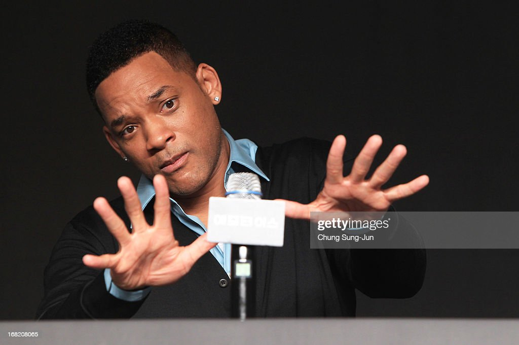 Actors <a gi-track='captionPersonalityLinkClicked' href=/galleries/search?phrase=Will+Smith+-+Actor+-+Born+1968&family=editorial&specificpeople=156403 ng-click='$event.stopPropagation()'>Will Smith</a> attends the 'After Earth' press conference on May 7, 2013 in Seoul, South Korea. <a gi-track='captionPersonalityLinkClicked' href=/galleries/search?phrase=Will+Smith+-+Actor+-+Born+1968&family=editorial&specificpeople=156403 ng-click='$event.stopPropagation()'>Will Smith</a> and Jaden Smith are visiting South Korea to promote their recent film 'After Earth' which will be released in South Korea on May 30.