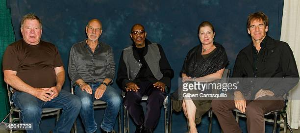 Actors William Shatner Sir Patrick Stewart Avery Brooks Kate Mulgrew and Scott Bakula of Star Trek during Star Trek Captains Reunion at Wizard World...