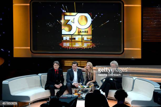 Actors Wolfgang Bahro Daniel Fehlow Susan Sideropoulos and presenter Thomas Gottschalk attend the taping of the anniversary show '30 Jahre RTL Die...