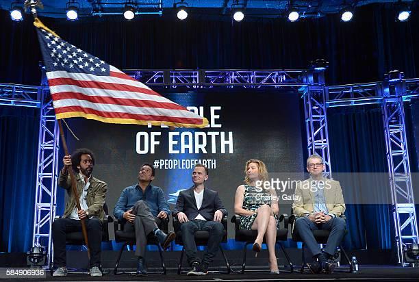 Actors Wyatt Cenac Oscar Nunez Executive producer David Jenkins actress Ana Gastayer and Executive producer Greg Daniels of 'People of Earth' speak...
