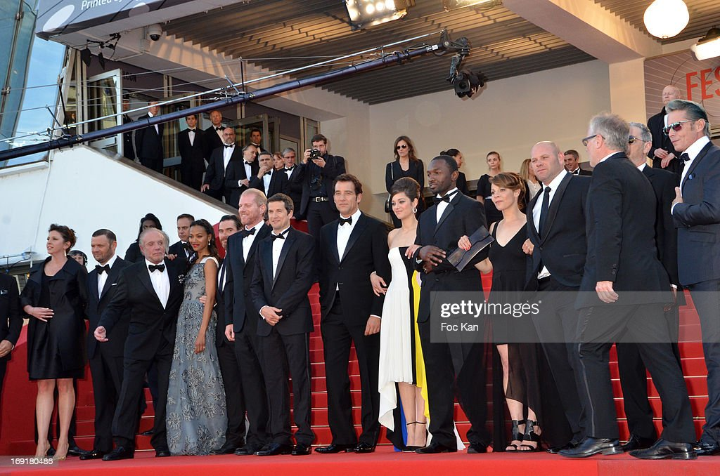 Actors Zoe Saldana, Billy Crudup, Noah Emmerich, director Guillaume Canet, actor Clive Owenand actress Marion Cotillard attend the Premiere of 'Blood Ties' during the 66th Annual Cannes Film Festival at the Palais des Festivals on May 20, 2013 in Cannes, France.
