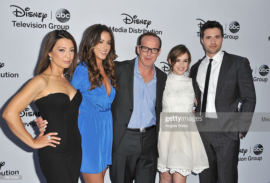 Actorsa <a gi-track='captionPersonalityLinkClicked' href=/galleries/search?phrase=Ming-Na&family=editorial&specificpeople=630343 ng-click='$event.stopPropagation()'>Ming-Na</a> Wen, Chloe Bennet, <a gi-track='captionPersonalityLinkClicked' href=/galleries/search?phrase=Clark+Gregg&family=editorial&specificpeople=587275 ng-click='$event.stopPropagation()'>Clark Gregg</a>, Elizabeth Henstridge and Brett Dalton arrive at the Disney Media Networks International Upfronts at Walt Disney Studios on May 19, 2013 in Burbank, California.