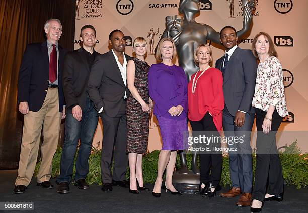 Actor/SAG Awards Committee members Daryl Anderson Woody Schultz and Jason George actress Anna Faris actress/SAG Awards Committee Chair JoBeth...