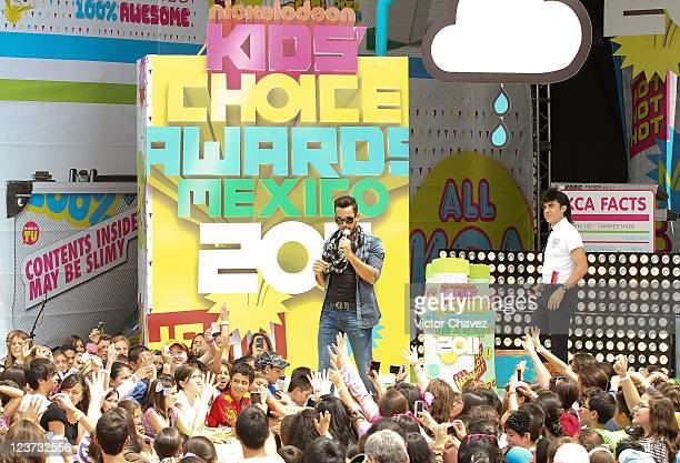 Actor/singer Aarón Díaz and comedian Alvaro Uribe 'El Vitor' attend the 2011 Kids Choice Awards Mexico at Six Flags Mexico on September 3 2011 in...