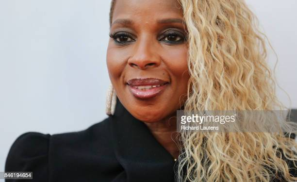 TORONTO ON SEPTEMBER 12 Actor/singer Mary J Blige on the red carpet MUDBOUND had a showing at Roy Thomson Hall for TIFF On the red carpet the...