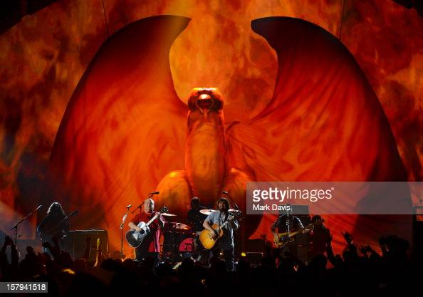 Actors/musicians Kyle Gass and Jack Black of Tenacious D perform onstage during Spike TV's 10th annual Video Game Awards at Sony Studios on December...