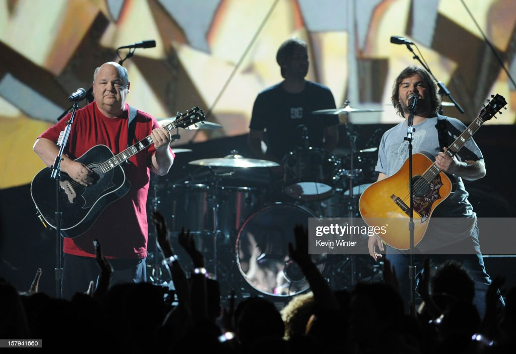 Actors/musicians Kyle Gass (L) and Jack Black (R) of Tenacious D perform onstage during Spike TV's 10th annual Video Game Awards at Sony Studios on December 7, 2012 in Culver City, California.