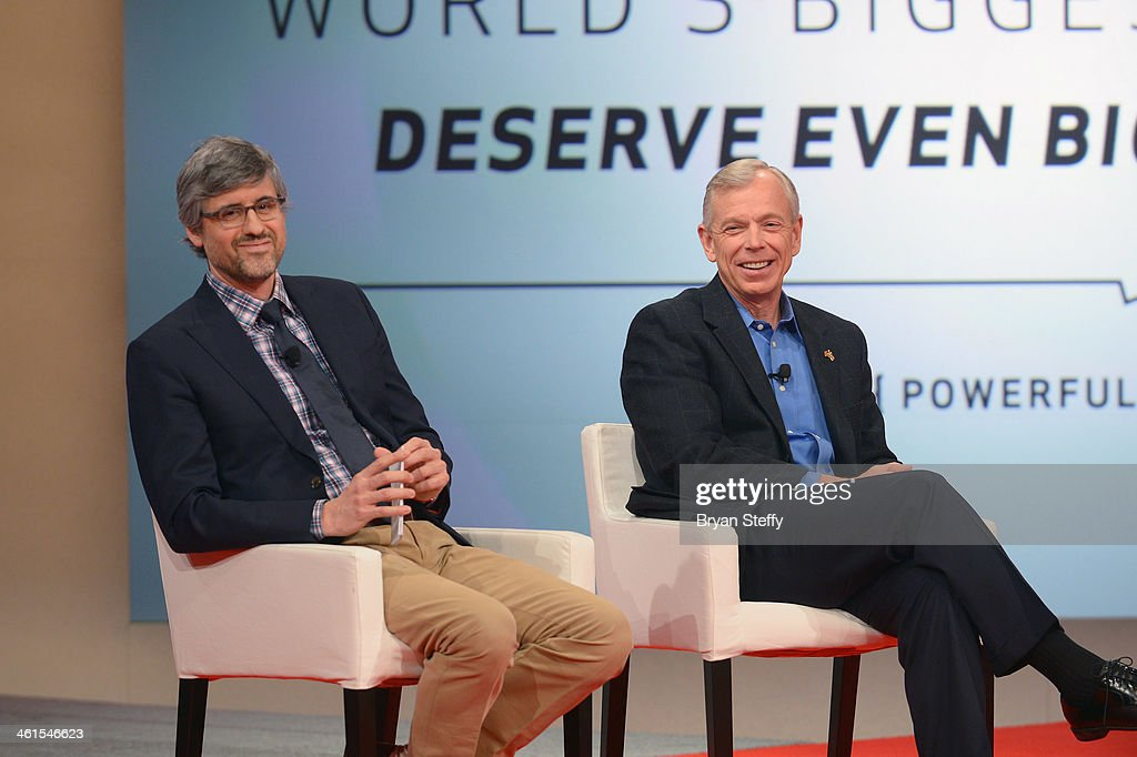 Actor/television radio personality Mo Rocca and Verizon Chairman and CEO Lowell McAdam appear on stage during the Verizon Powerful Answers Award...