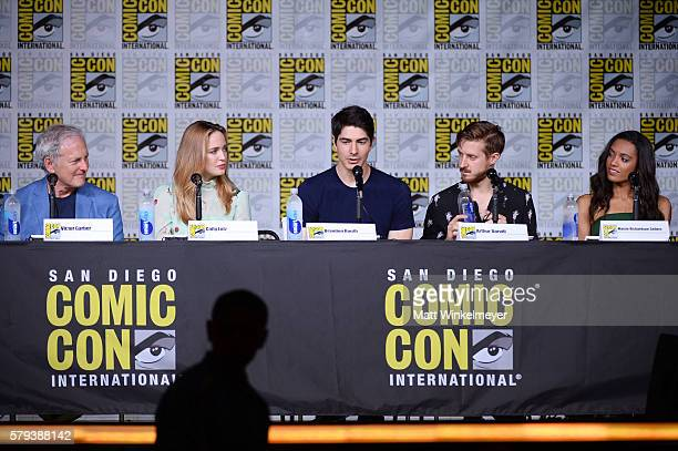 Actos Victor Garber Caity Lotz Brandon Routh Arthur Darvill and Maisie RichardsonSellersattends DC's 'Legends Of Tomorrow' Special Video Presentation...
