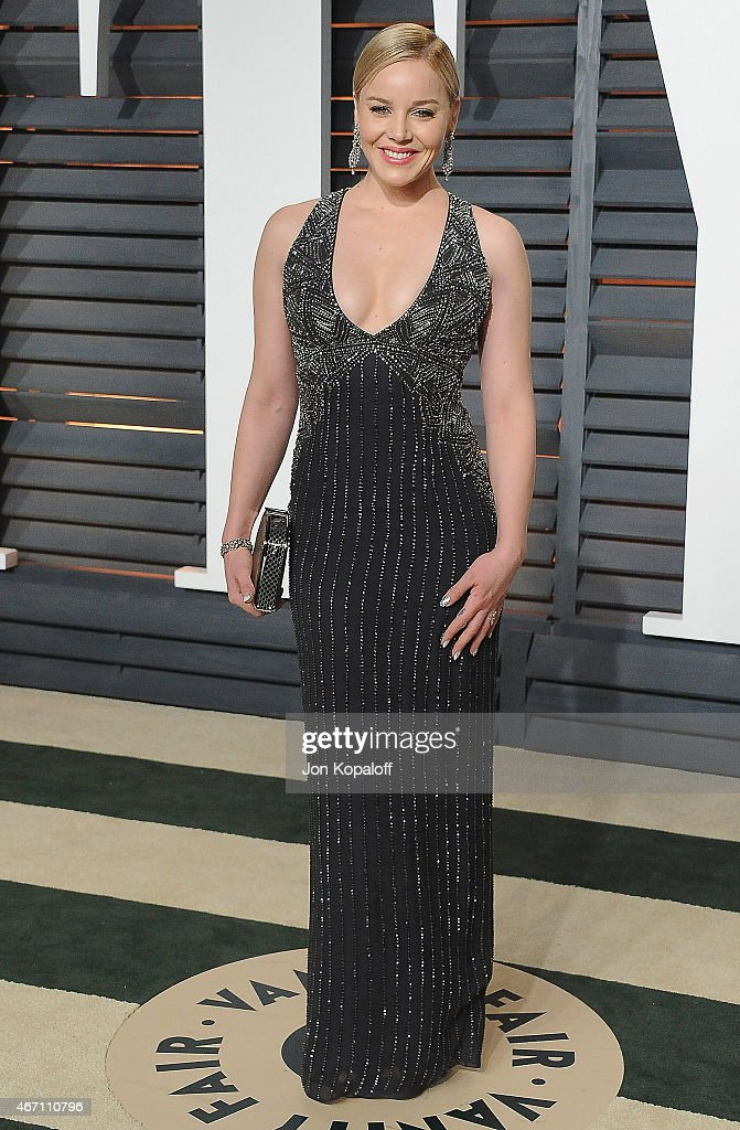 Actress <a gi-track='captionPersonalityLinkClicked' href=/galleries/search?phrase=Abbie+Cornish&family=editorial&specificpeople=213603 ng-click='$event.stopPropagation()'>Abbie Cornish</a> arrives at the 2015 Vanity Fair Oscar Party Hosted By Graydon Carter at Wallis Annenberg Center for the Performing Arts on February 22, 2015 in Beverly Hills, California.