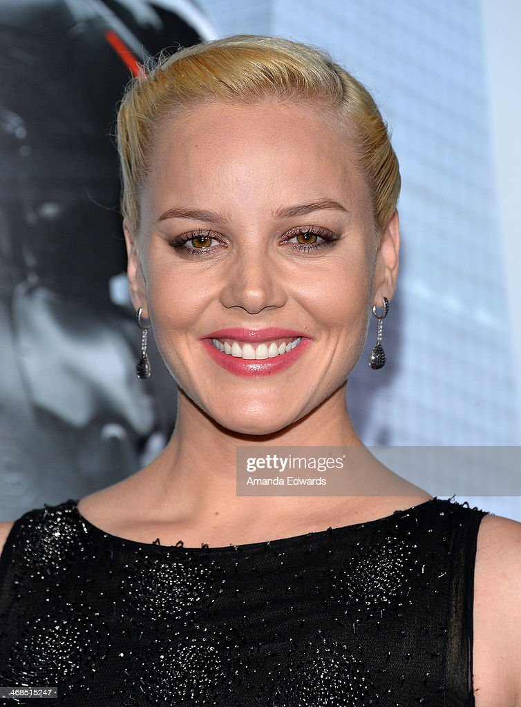 Actress <a gi-track='captionPersonalityLinkClicked' href=/galleries/search?phrase=Abbie+Cornish&family=editorial&specificpeople=213603 ng-click='$event.stopPropagation()'>Abbie Cornish</a> arrives at the Los Angeles premiere of 'Robocop' at the TCL Chinese Theatre on February 10, 2014 in Hollywood, California.