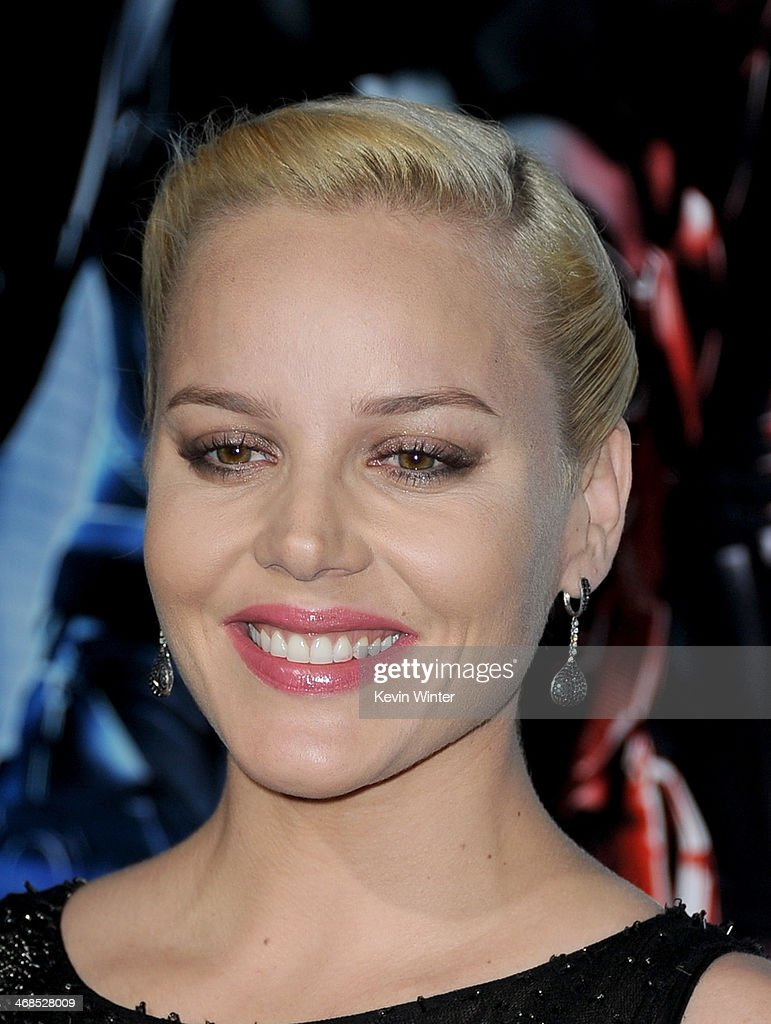Actress Abbie Cornish arrives at the premiere of Columbia Pictures' 'Robocop' at TCL Chinese Theatre on February 10, 2014 in Hollywood, California.